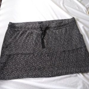{Torrid} gray feathered casual mini skirt